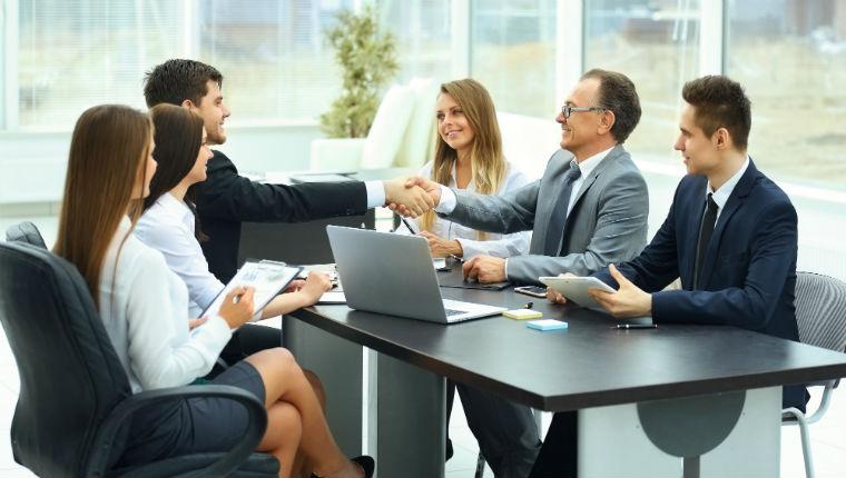 Cariche sociali, qualifiche e partecipazioni.