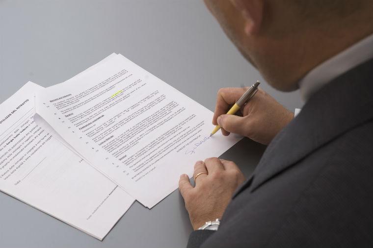Autocertificazione e dichiarazione sostitutiva dell'atto di notorietà: quali sono le conseguenze se non vengono accettate dal pubblico ufficiale