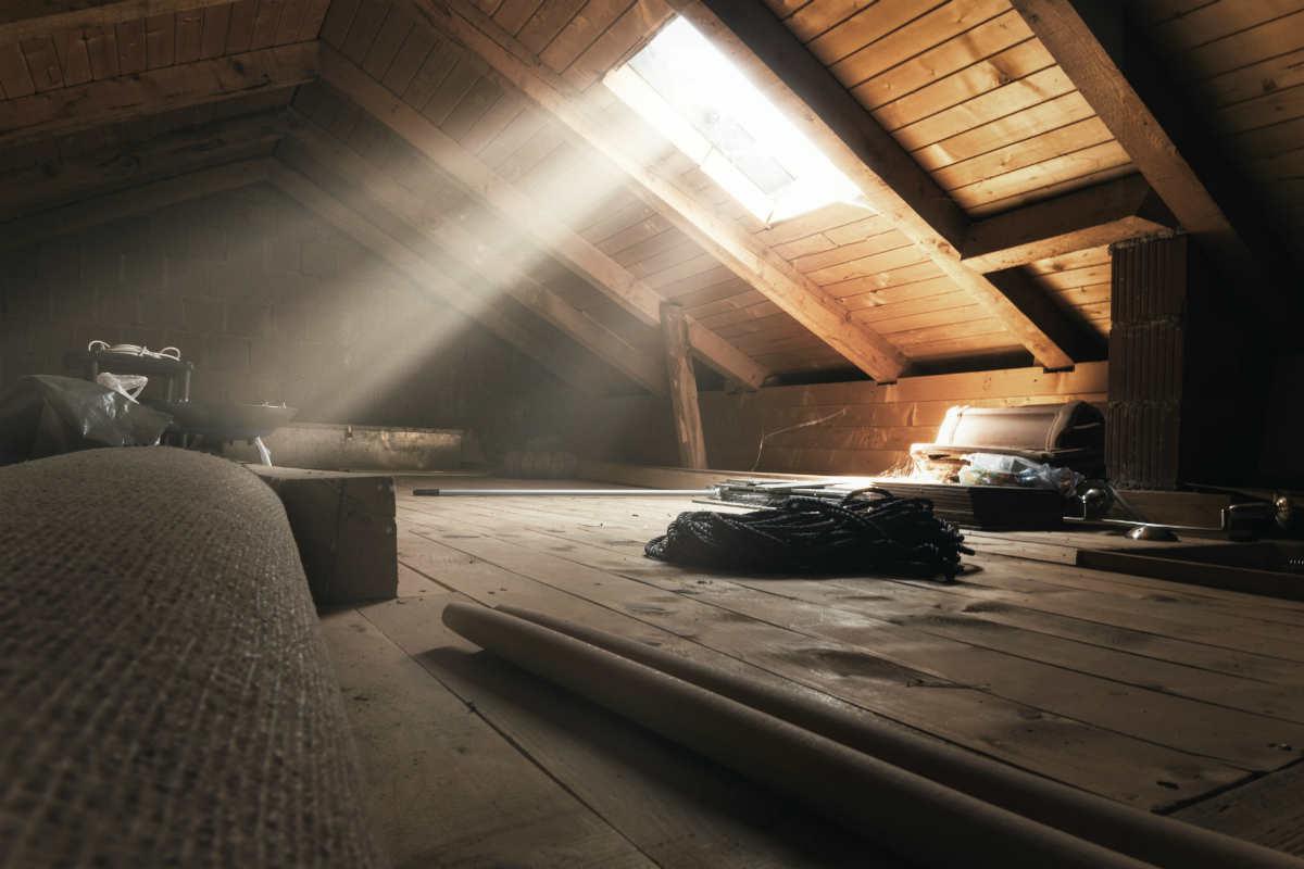 Vendere casa con sottotetto non abitabile: regole di ...
