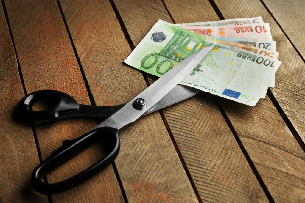 Rinuncia all'eredità per debiti: come si fa?