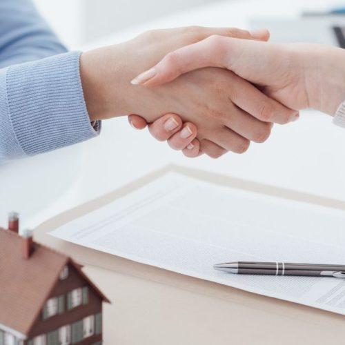 Responsabilità dell'agente immobiliare in caso di abusi edilizi